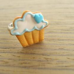 Cupcake Cookie Ring - Blue Heart to the Right